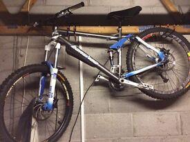 Carrera banshee mountain bike £310 ovno