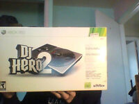 DJ Hero 2 for XBOX 360 (Includes turntable and game)