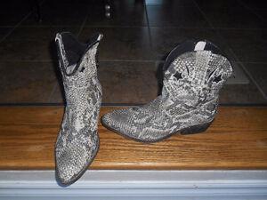 Ladies size 6 boots.