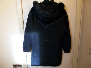 Lovely woman's coat with fur (lg) Kitchener / Waterloo Kitchener Area image 2