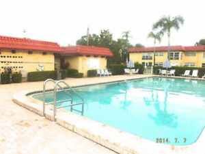 CLEARWATER - 55+ COMMUNITY BRIGHT SUN FILLED 2 BEDROOM 2 BATH