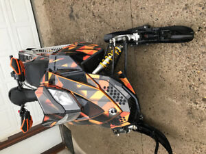 2008 Ski Doo 800 - immaculate condition- 991  miles
