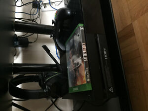 XBOX ONE WITH GAMES ALMOST BRAND NEW