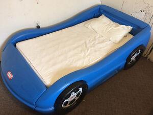 Little tykes car bed NO MATTRESS