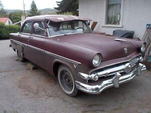 1954 Ford Sedan