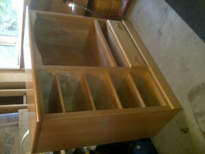 Solid Pine Entertainment Unit With Television Kitchener / Waterloo Kitchener Area image 2
