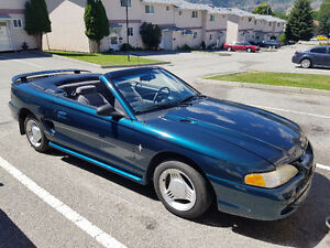 **REDUCED**  1995 Ford Mustang Convertible