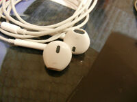 Apple Earpods $20 and Apple Classic earbuds $10--Price reduced