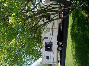 Delux Model Loaded 2011 Travel Trailer