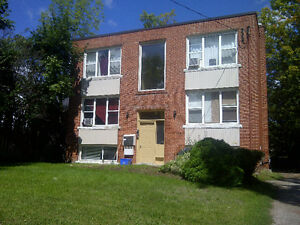 134 NAPIER STREET – 2 Bdrm Apt, full of old character $1,250.00