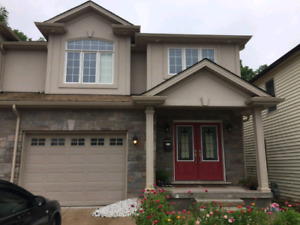 4 Bed Home Niagara Falls
