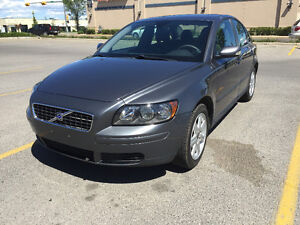 Nice and clean 2006 Volvo S40 2.4i