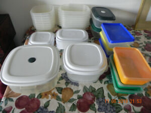 24 Plastic containers