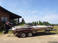 Like new! 2003 TR21 Foot Triton Bass boat. 2010 Etec 89 Hours!!