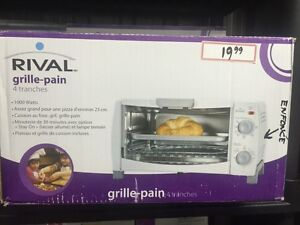 FOUR GRILLE-PAIN RIVAL