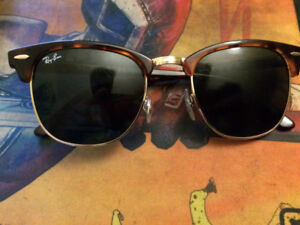 Ray Ban Clubmaster Classic SLIGHTLY USED