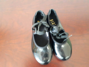 Pair of black patent leather Bloch tap shoes - Size 9M