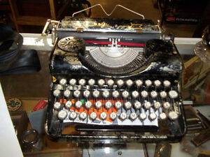 #greenspotantiques Fantastic special edition Olympia typewriter,