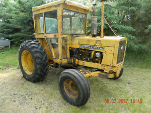 2656 IH  tractor  for  sale  with  some  attachements-REDUCED