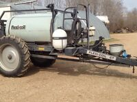 Suspended boom sprayer