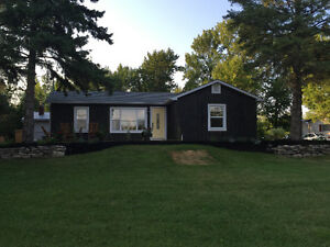 Beautiful updated bungalow in Bayside