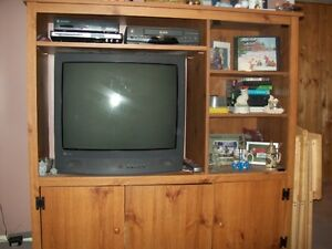* NEW PRICE!! *  TV Stand / Entertainment Centre    $50.00