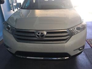 2012 Toyota Highlander SUV, Crossover