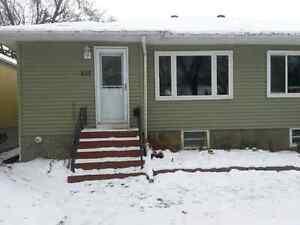 $ 1500 Arnhiem Place 3 Bdrm/ 2 Bthrm half duplex
