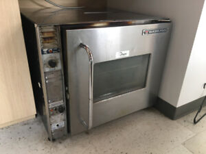 Four convection commercial Bakers Pride