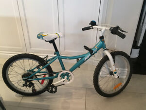 "Girl's 6 speed bike with 16"" wheels"