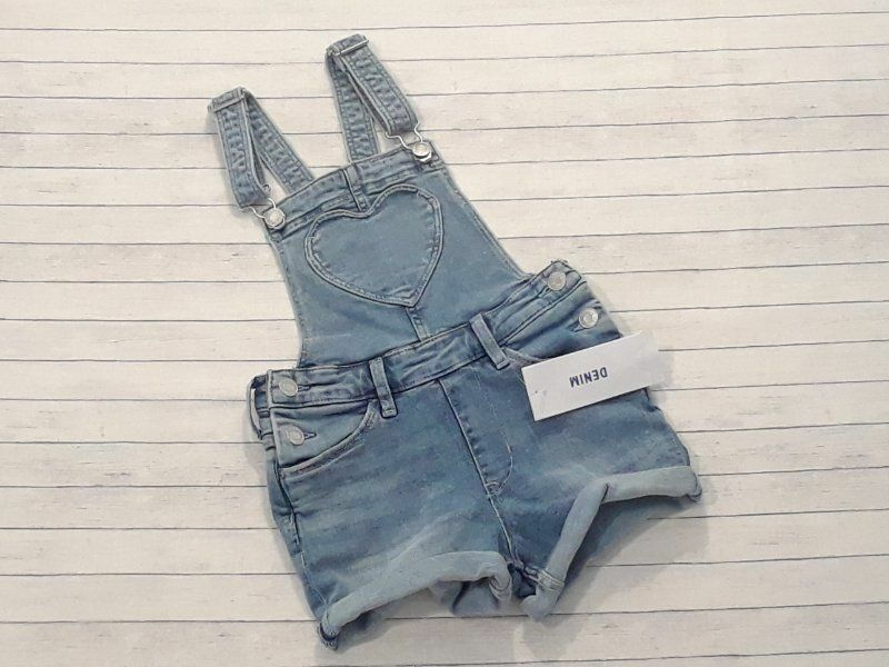 NWT H&M girls size 7-8 years blue denim shorts overalls 7 8 heart bib -B22