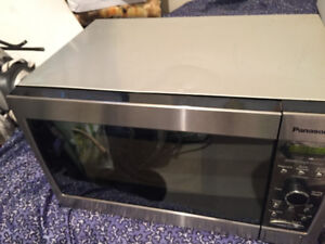 PANASONIC MICROWAVE STAINLESS STEEL SILVER BODY