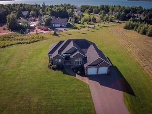 Executive Rancher in Stratford for Sale