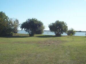 Manitoba Lakefront or lakeview lots for your new home or cottage