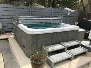WANTED: Hot Tub (6+person) newer with composite skirting