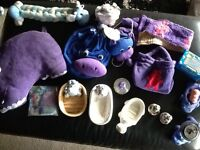 Selection of hippo bath items