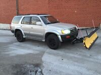 Toyota 4runner limited 4 x 4