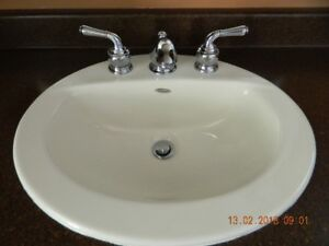 BATHROOM SINK TAPS AND COUNTER TOP