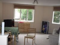 West London Acton W3 2bed purpose built flat in a quiet modern Court