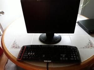 LCD monitor and Logitech G710 keyboard