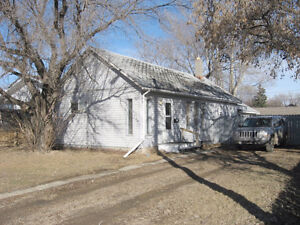 863 6th Ave. N.E., Moose Jaw