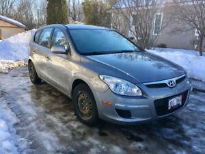 2012 Hyundai Elantra GL - Much Loved Manual, 5 door, FWD