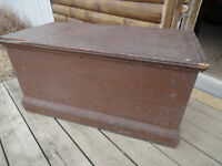 ANTIQUE PINE TRUNK / TOOL BOX