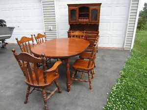 Solid pine 9 piece dining room set