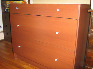 3 draw dresser with night stand- excellent condition