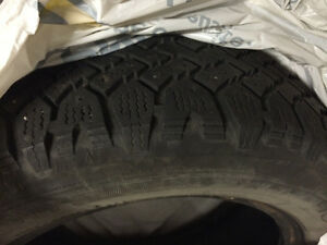 4x Magna Grip Winter Tires P195/60R15