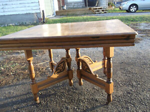 Antique maple and oak dinning table