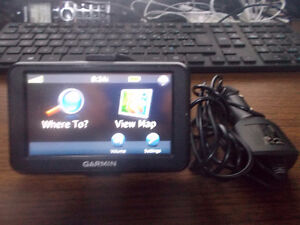 "GARMIN GPS 40LM, 4"" SCREEN, LIFETIME MAP UPDATE."