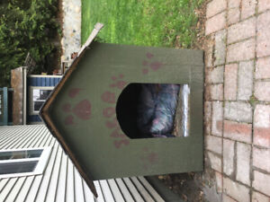 Must sell!!  Insulated Dog House