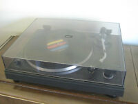 Hitachi Record Player Turntable: works great!